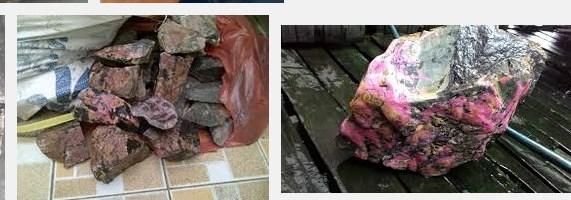 Bongkahan Batu Red Borneo