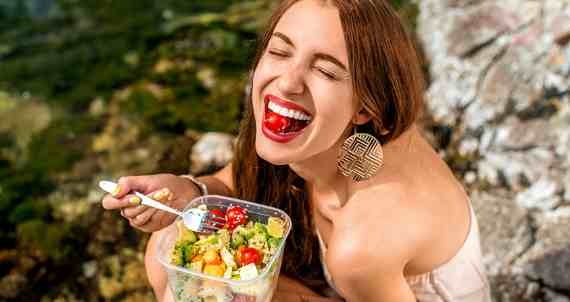 7 Daftar Makanan Sehat Yang Membuat Tubuh Tidak Mudah Sakit