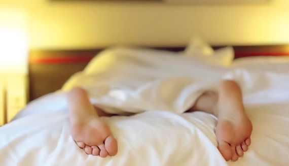5 Cara Tidur Kembali Setelah Terbangun Tengah Malam
