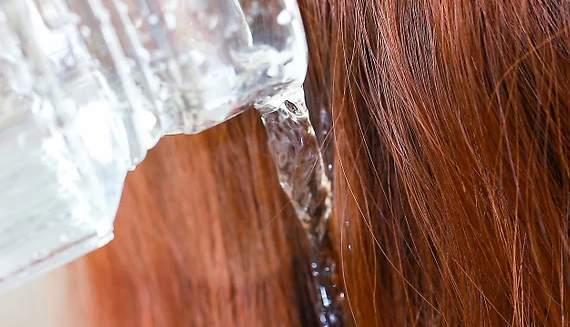 Membilas Rambut Dengan Cuka