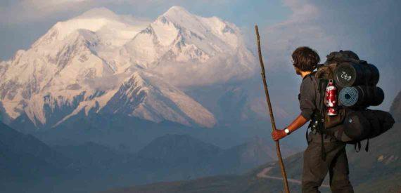 Aries Cocok Memiliki Hobi Mendaki Gunung