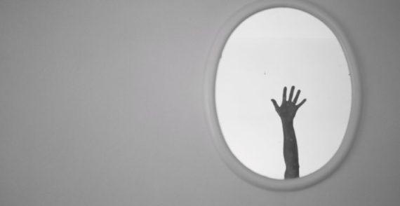 Arti Mimpi Kehilangan Cermin