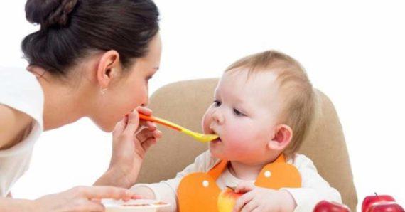 Arti Mimpi Memberi Makan Anak