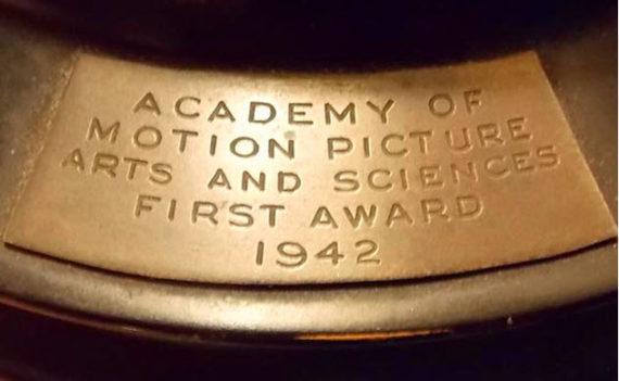 Lelang Piala Oscar Tahun 1942