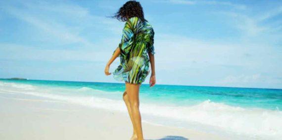 Memakai Baju Hijau Ke Pantai Selatan