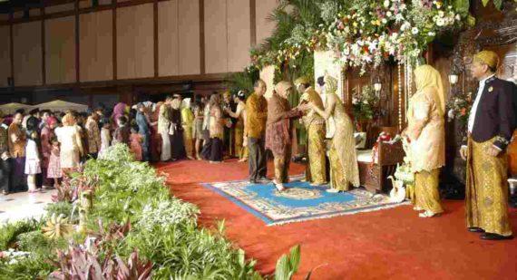 Mitos Tidak Datang Ke Pesta Pernikahan