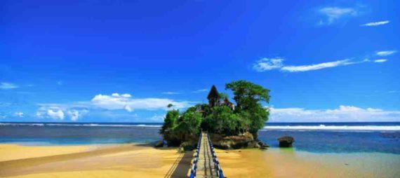 Mitos Tempat Wisata Pantai Balekambang Malang