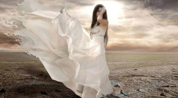 Permainan Memanggil Hantu Lady In White