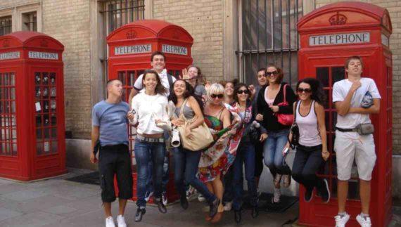 Sekolah Di London