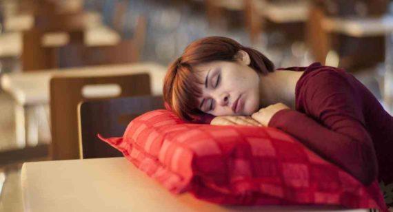 5 Cara Alami Mengatasi Insomnia Yang Tidak Kamu Sadari