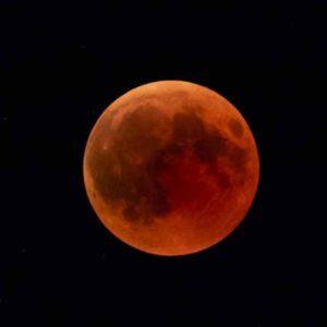 Misteri Gerhana Bulan Merah