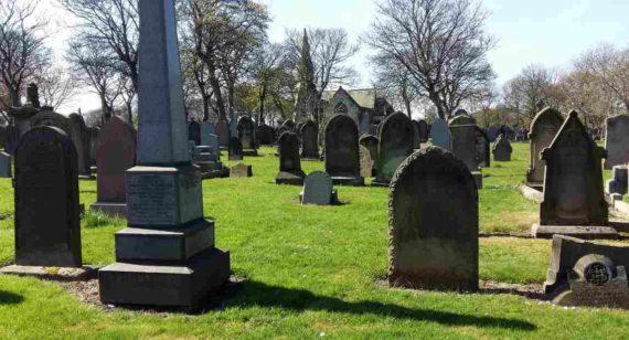 Datang Ke Kuburan Menurut Primbon