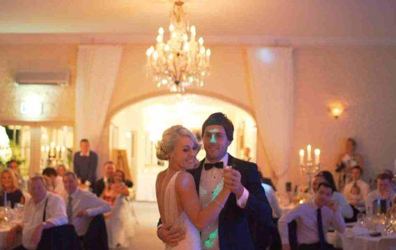 Mimpi Menjadi Tamu Dalam Pernikahan