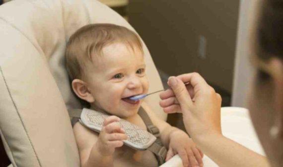 Aktifitas Menyusui Bayi