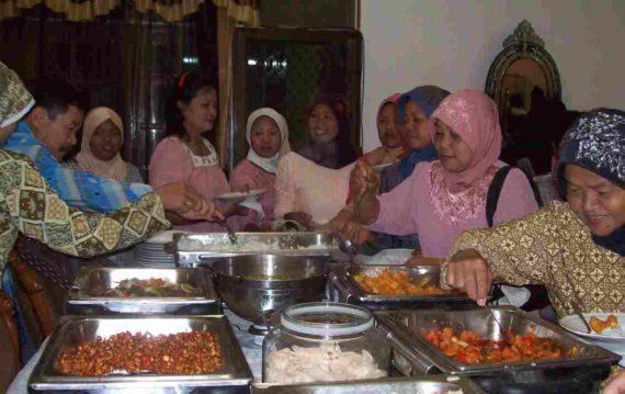 Mitos Pantangan Tentang Makan Jawa